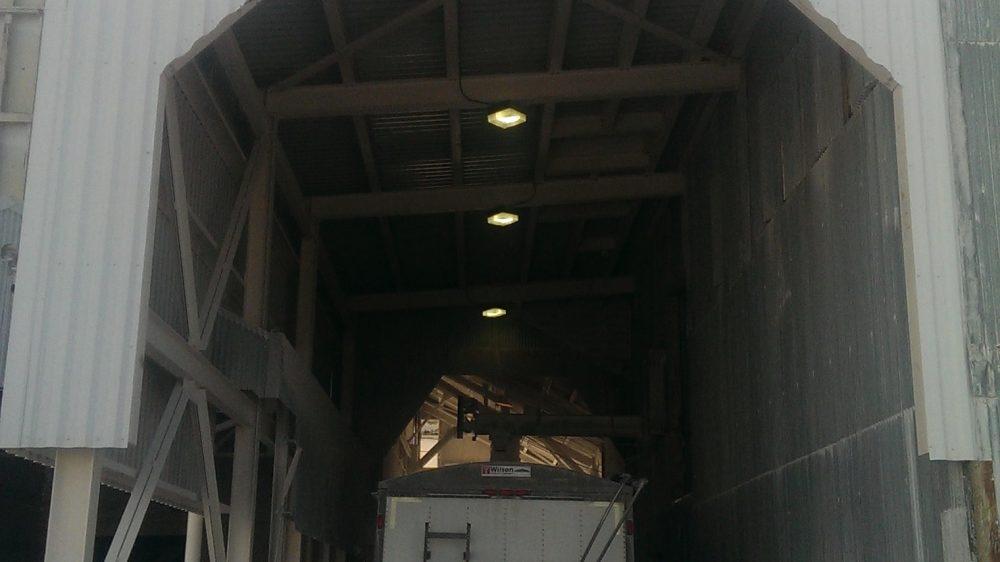 Material Loading Unloading Pict 3-min
